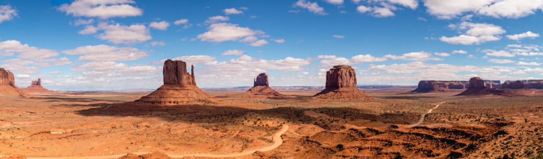Vẻ đẹp nghệ thuật từ phong cảnh choáng ngợp của Monument Valley chính là lý do khiến các nhà làm phim mê mẩn và khát khao được khắc họa lại qua từng bộ phim huyền thoại.