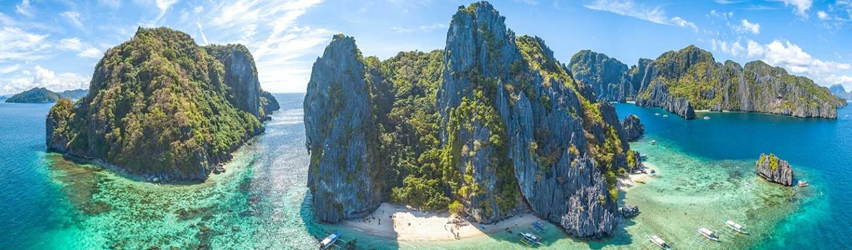 Được bình chọn là 1 trong 7 kỳ quan thiên nhiên thế giới mới, Vườn Quốc gia Sông ngầm Puerto Princesa là một kì quan núi đá vôi đẹp nhất của vùng Biển Đông bên cạnh Vịnh Hạ Long của Việt Nam.