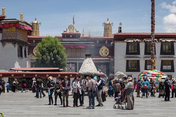 Đền Đại Chiêu là nơi tổ chức các sự kiện quan trọng ở Tây Tạng
