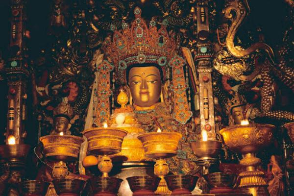 Phật Thích Ca Mâu Ni Bát Tuế Đẳng Thân