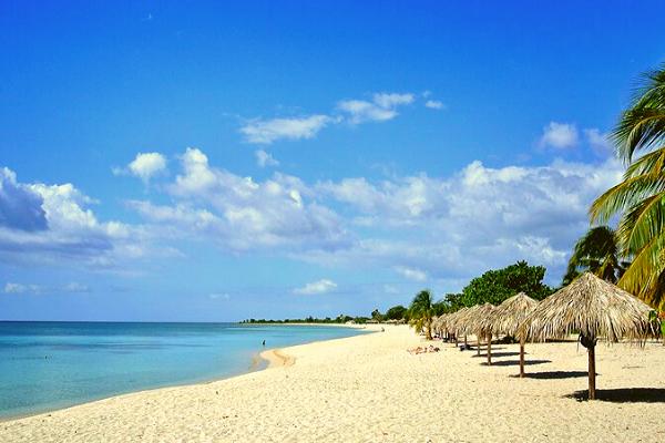 Bãi biển Ancon