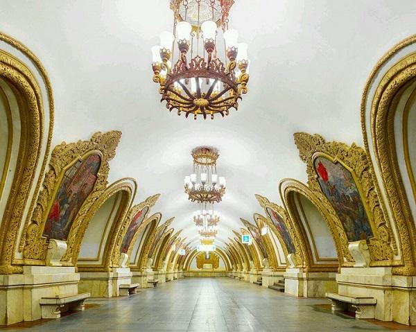 Vẻ đẹp lung linh của ga Kievskaya.