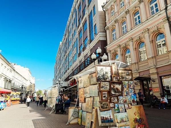 Những góc đường trưng bày tác phẩm nghệ thuật.