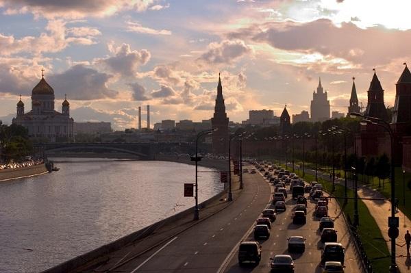 Chiều trên sông Moscow.