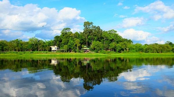 Hồ Bàu Sấu.
