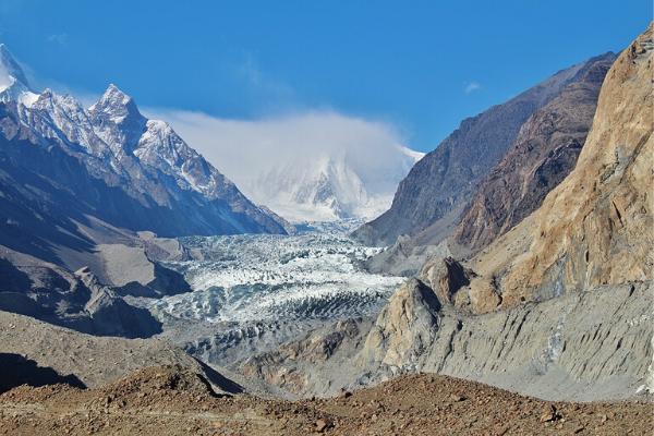 ngắm sông băng Passu