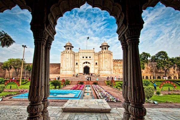 pháo đài Lahore khi du lịch Pakistan
