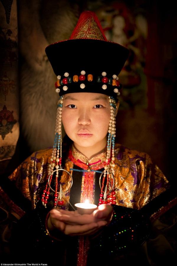Trang phục truyền thống của người Buryat.