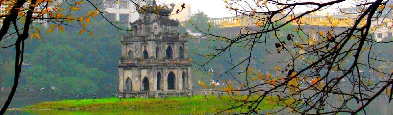 Thủ đô Hà Nội với lịch sử hơn nghìn năm hình thành và phát triển đã từng là kinh đô của rất nhiều triều đại phong kiến Việt Nam. Ngày nay, thành phố vẫn trở lại với vai trò là trái tim – là niềm tin – là niềm hy vọng của Tổ quốc Việt Nam/