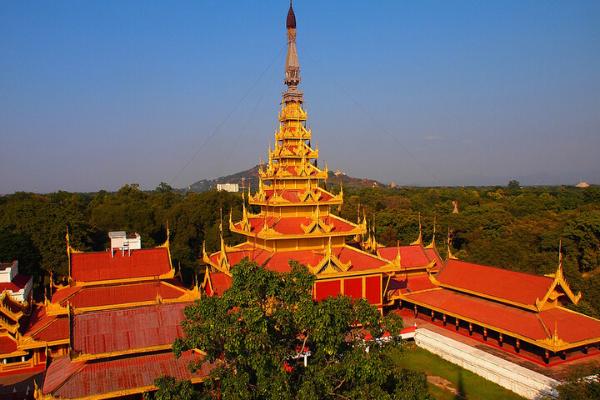 1 góc cung điện nguy nga Mandalay.