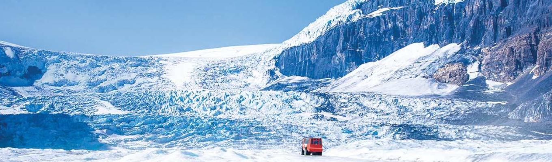 Sông băng Athabasca được ví như một khối băng khổng lồ giữa vườn quốc gia Banff và đã được UNESCO công nhận là di sản thế giới vào năm 1984.