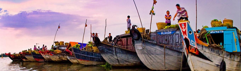 Chợ nổi Cái Bè không chỉ là đặc trưng của vùng văn hóa sông nước Cửu Long mà còn là nơi chuyên chở những giá trị tinh thần, văn hóa mua bán truyền thống của người dân bản địa nơi đây.
