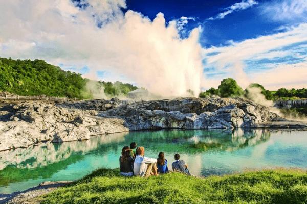 """Những địa điểm du lịch nổi tiếng ở """"thành phố lưu huỳnh"""" – Rotorua"""