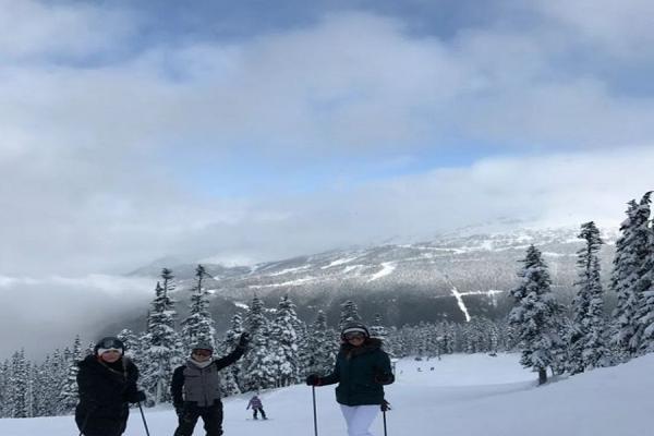 Trải nghiệm trượt tuyết
